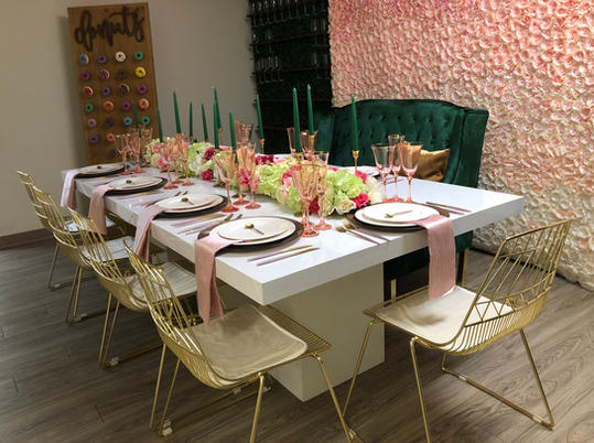Fabiola Table & Cosmo Chairs