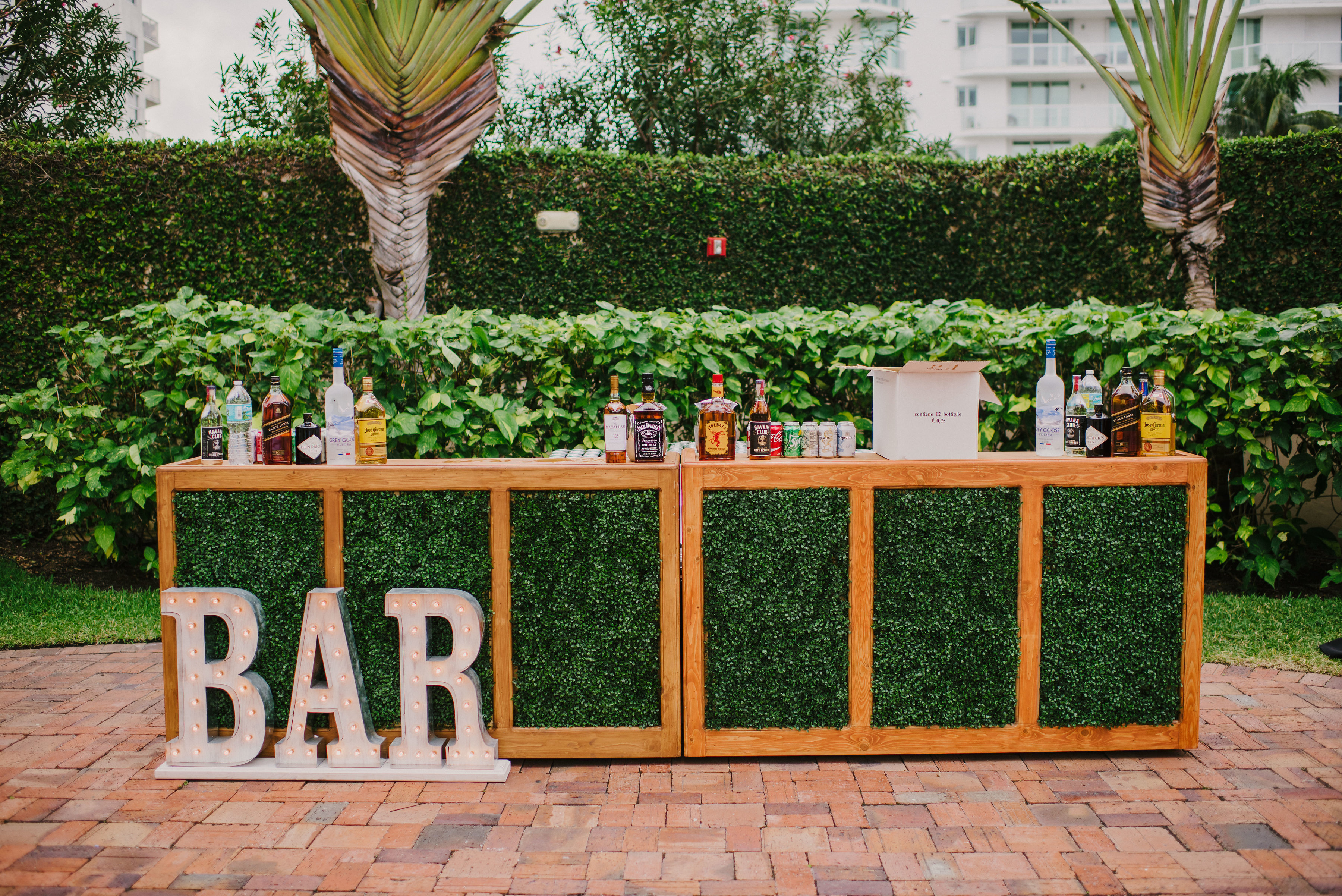 Boxwood Bar