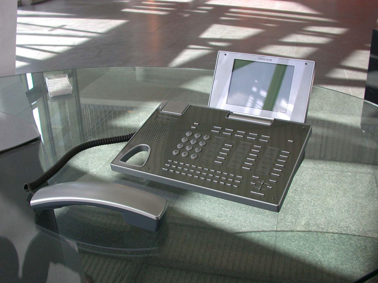 Tenovis telefon