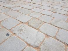 stone-setts-sawn-six-sidesjpg