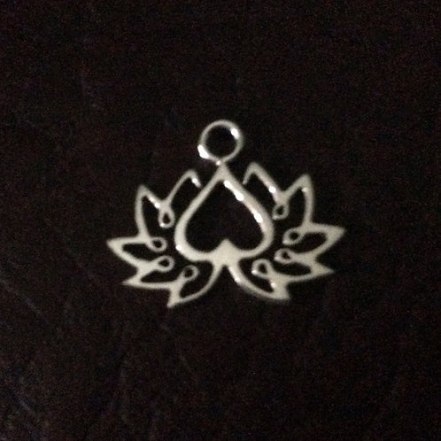 Sterling silver lotus flower 19.7 x 16.2 mm | CH557151