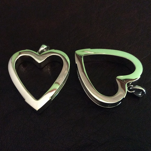 Sterling silver heart charm 28.5 x 35 mm | CH557164