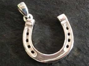 Sterling silver silver horse shoe charm 20 x 21 mm with bail