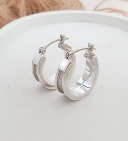Sterling silver equestrian horsehair channel earring | ER330045