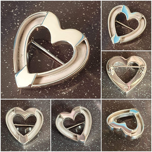 Sterling silver Heart Brooch Pin 27.5 x 26.25 mm | BP818105