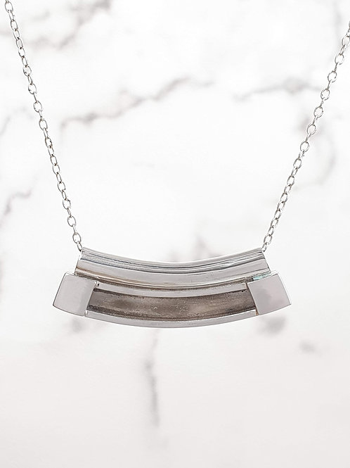 Sterling silver curved tube bar charm 40 x 5 mm | CH557270