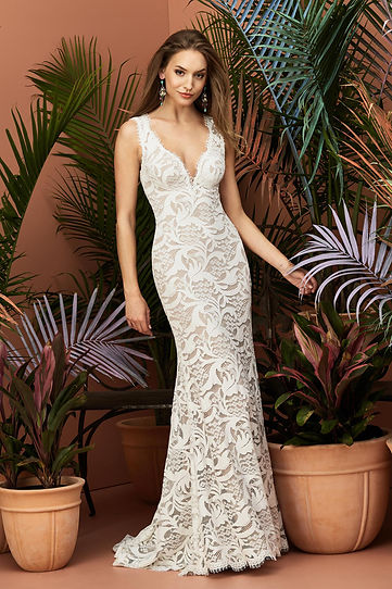 Wtoo by Watters wedding gown style Alzbeta Front