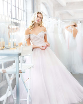 blush-hayley-paige-bridal-spring-2018-st