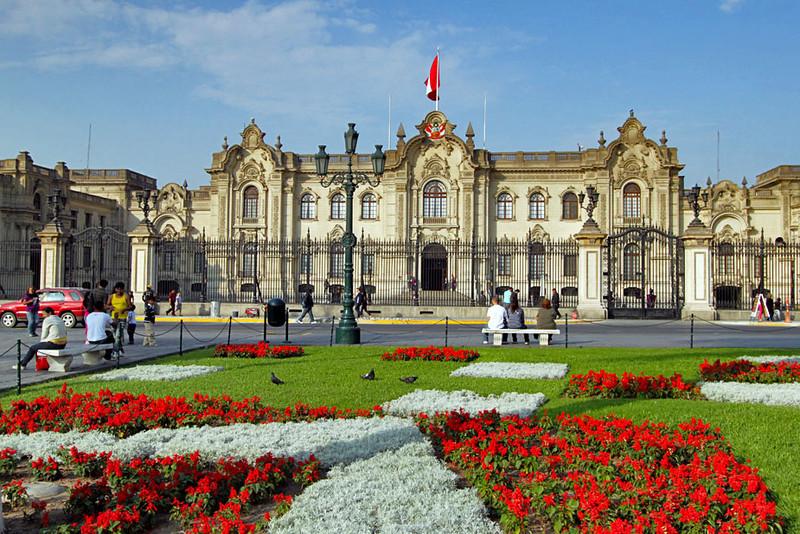 Palacio_de_Gobierno_sede_del_poder_Ejecutivo_del_Perú