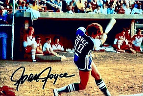 Joan Joyce Signed PHoto Batting.jpg