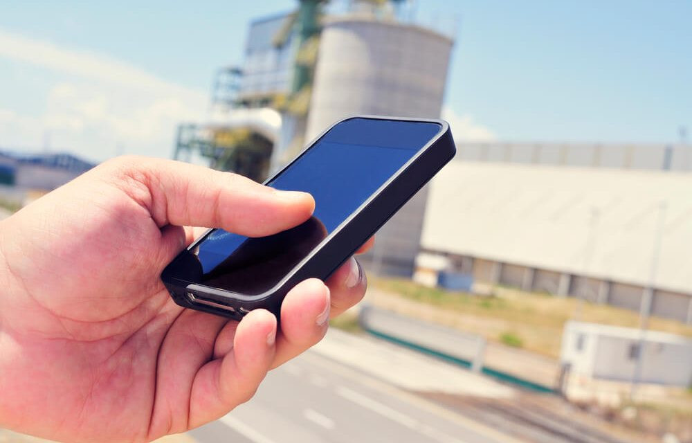 Smartphone na insdutria, apontamento de atividades e equipamentos