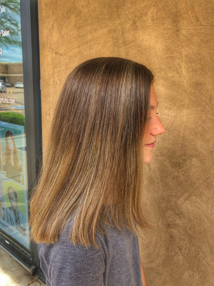 ombre hair color: medium brown transitioned in medium blonde