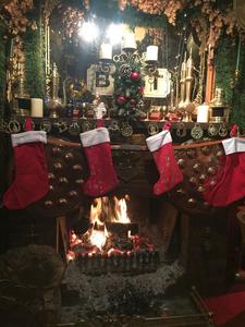 fireplace_christmas.png