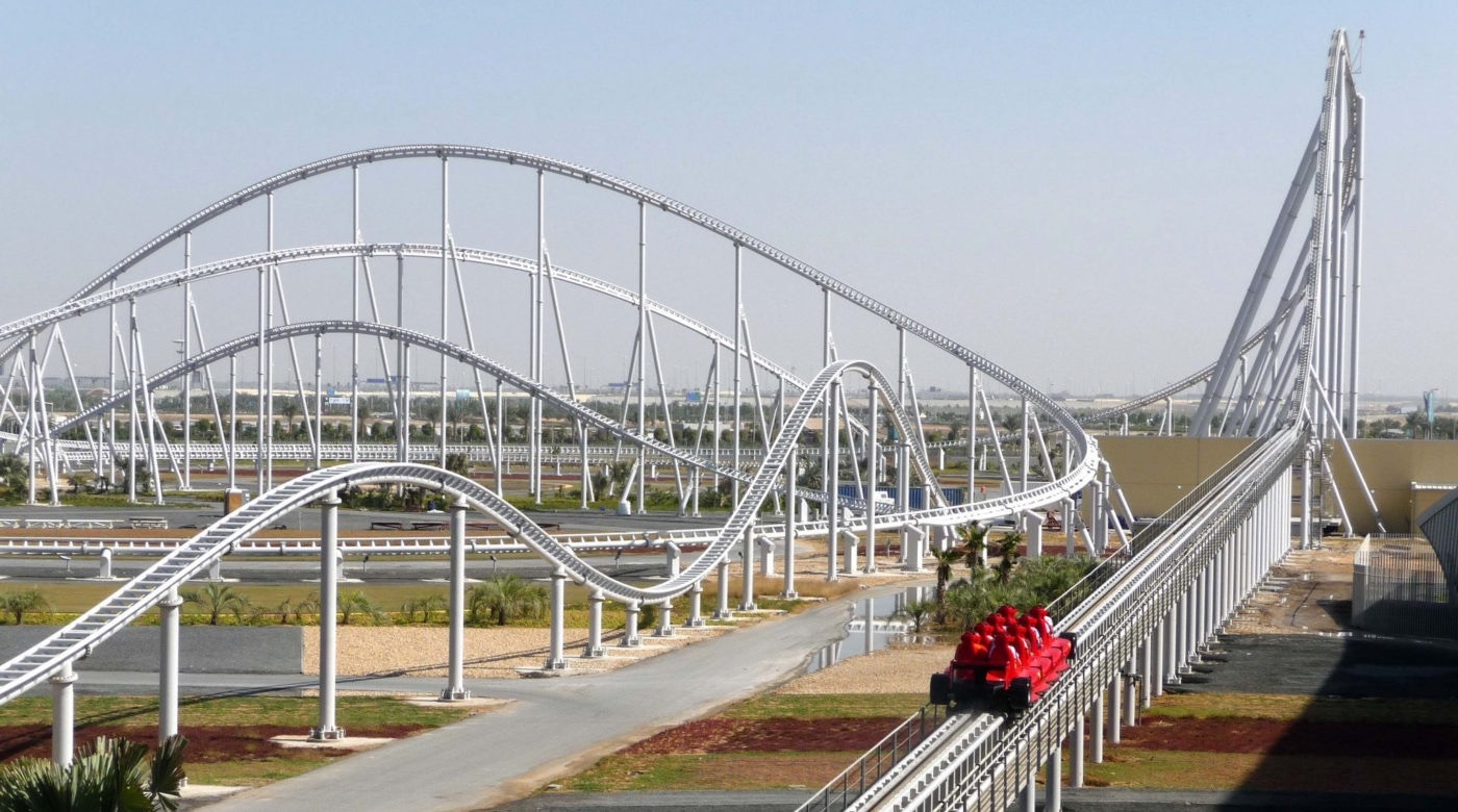 FORMULA ROSSA Ultra-high-speed roller coaster