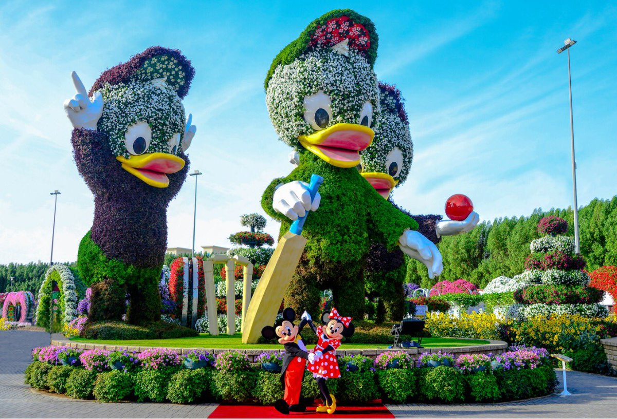 DUBAI MIRACLE GARDEN Garden, butterflies and desert