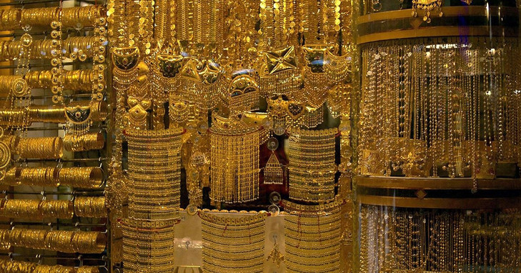 DUBAI GOLD SOUK Buzzing marketplace for gold jewellery