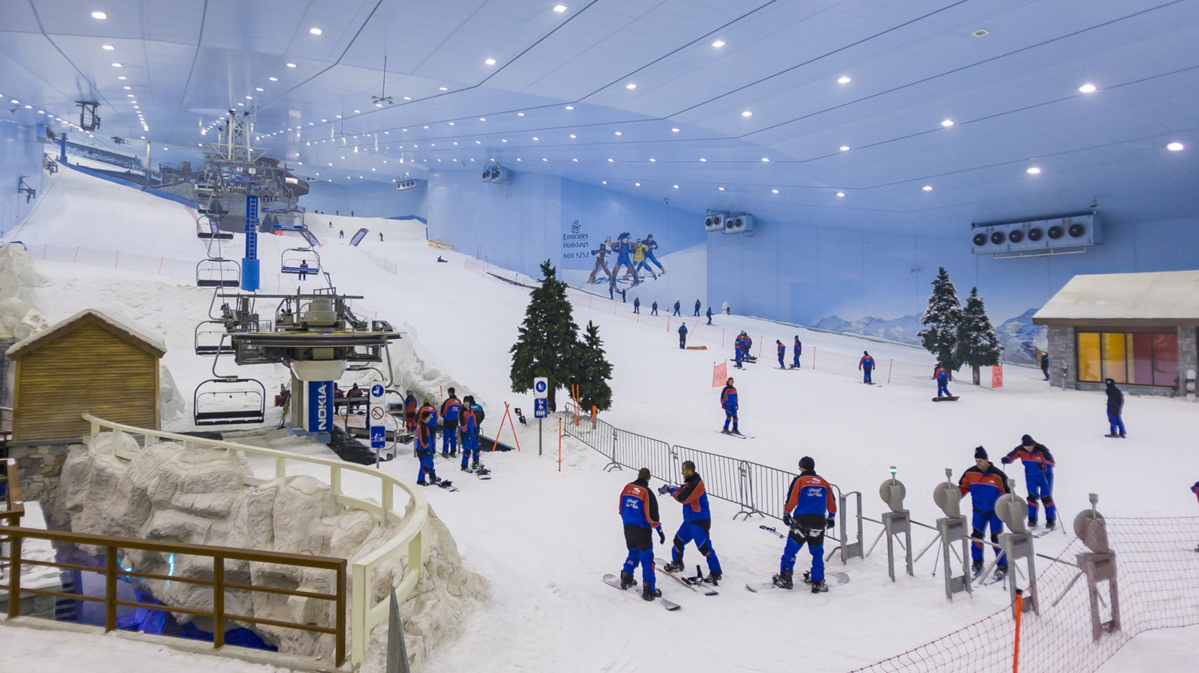 SKI DUBAI Mountain-themed attraction with snow