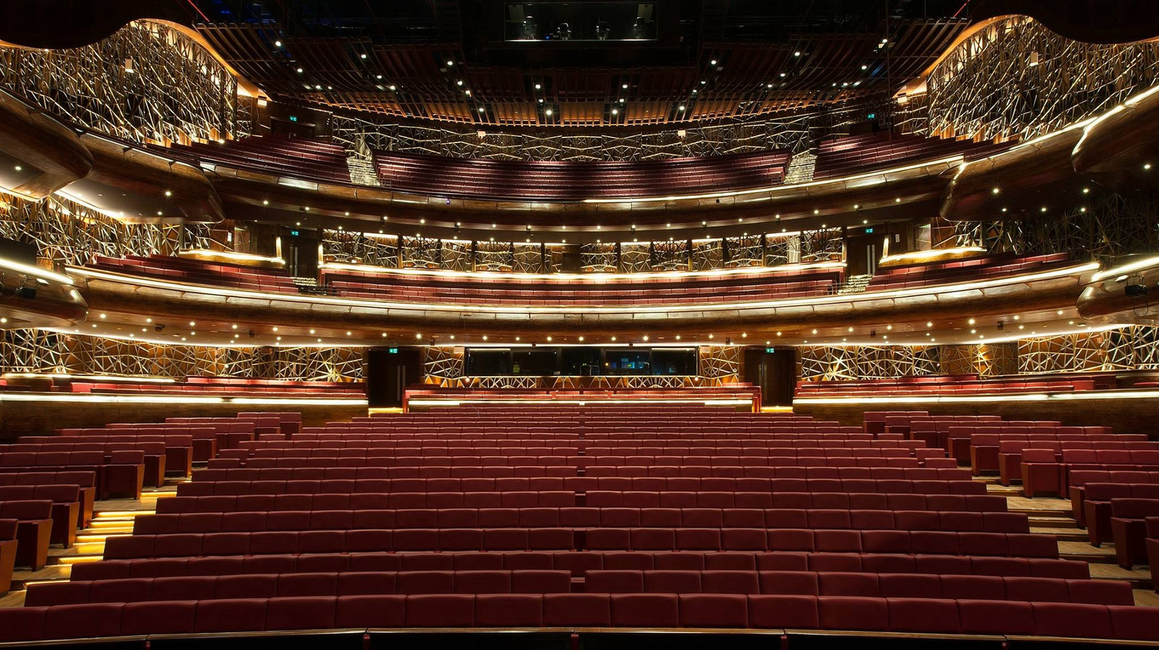 DUBAI OPERA Ultramodern, performing arts facility