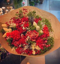 Ce bouquet de fleurs séchées va se trans