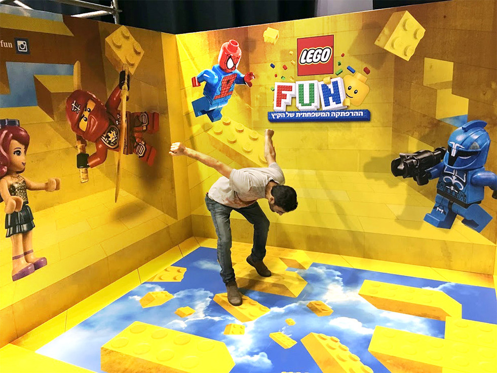 Lego-fun-3d-illusion-Ran-Aviv-02.jpg