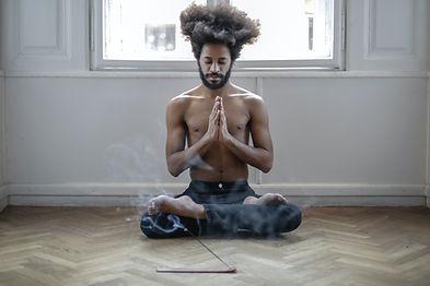 Yogi-meditation-pexels-andrea-piacquadio