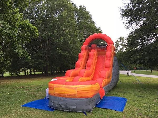 Lave Splash Inflatale Slide