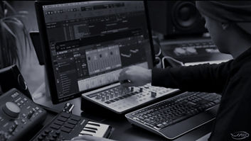 Studio%252520Pic_edited_edited_edited.jp