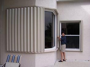 b338cdca_shutters_accordions_man.jpg