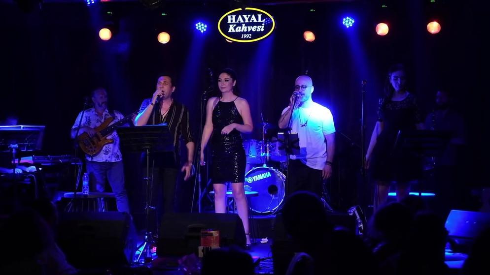 Hayal Kahvesi Live Performance