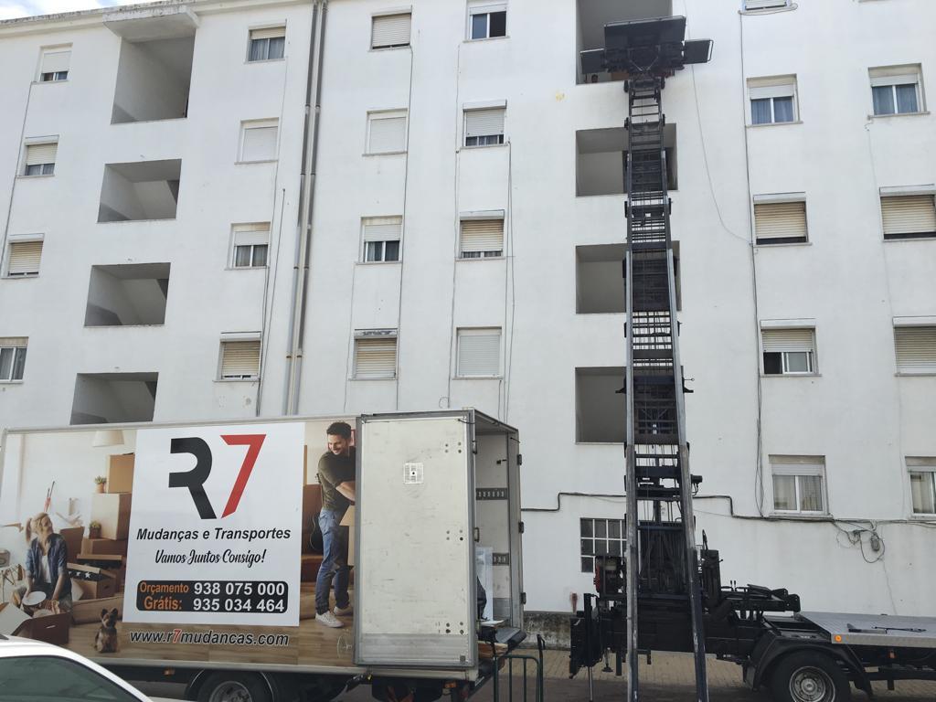 R7 Mudanças e Transportes