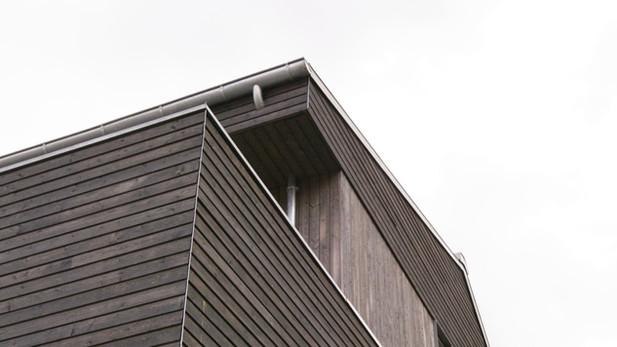 Holzhaus um Betonkern