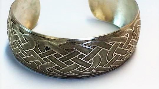 Bangle in Silver etched