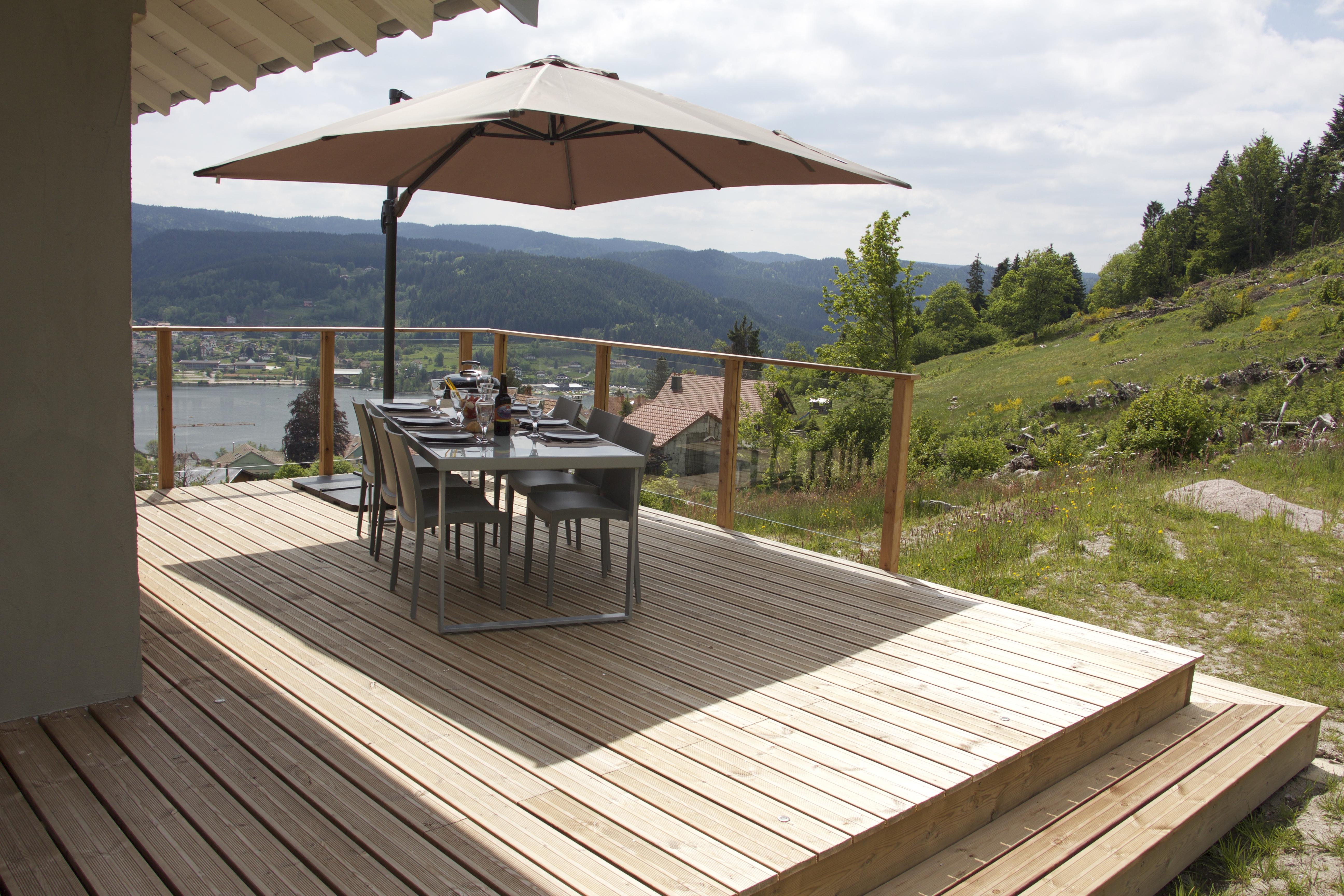 Alise Haut large terrace