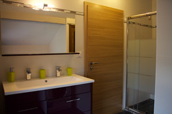 Alise Haut bathroom