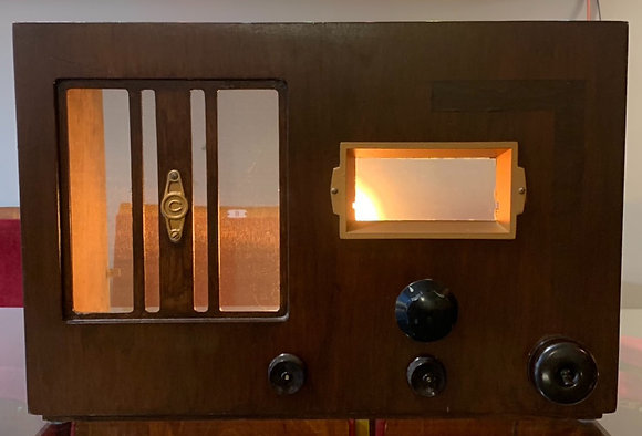 1940's Radio Case Lamp