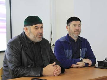 Заместитель Муфтия ЧР, кандидат шариатских наук Асвад Хареханов провел профилактическую беседу со ст