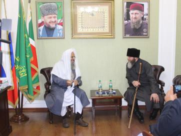 В здании ДУМ ЧР состоялась встреча Муфтия ЧР Салах-Хаджи Межиева с Председателем комитета по фикху с