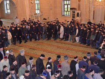 В «Сердце Чечни» провели религиозный обряд зикр