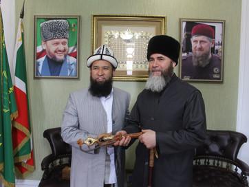 В здании Духовного управления мусульман ЧР состоялась встреча Муфтия ЧР Салах-Хаджи Межиева с муфтие