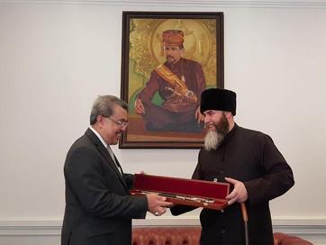 Муфтий встретился с чрезвычайным и полномочным послом Бруней-Даруссалам