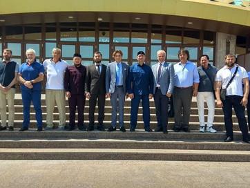 Делегация из Италии посетила мечеть г. Аргун
