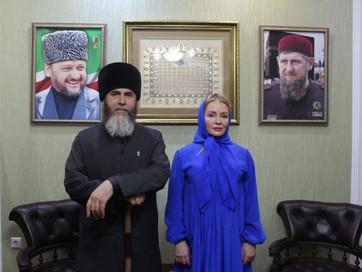 Известный инстаблогер Романчева Юлия Николаевна приняла Ислам