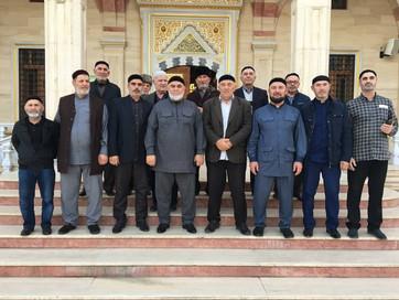 Заместитель Муфтия ЧР Ансар Хетиев провел совещание с тамадами и туркхами Накшбандийского тариката Г