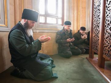 """Рамзан-Хаджи Кадыров: """"Мы совершили дуа, взывая к Всевышнему о крепости веры и вечном Рае, о ми"""