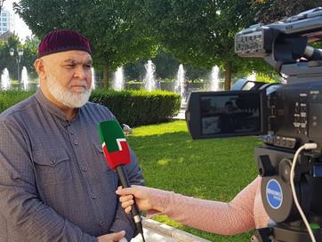 Заместитель Муфтия ЧР Ансар Хетиев рассказал о ценности хорошего отношения детей к родителям с ислам