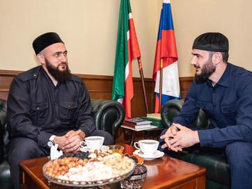 Представитель ДУМ ЧР встретился с муфтием Татарстана