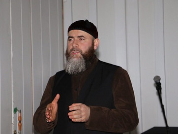 Муфтий ЧР прочитал проповедь в поселковой мечети