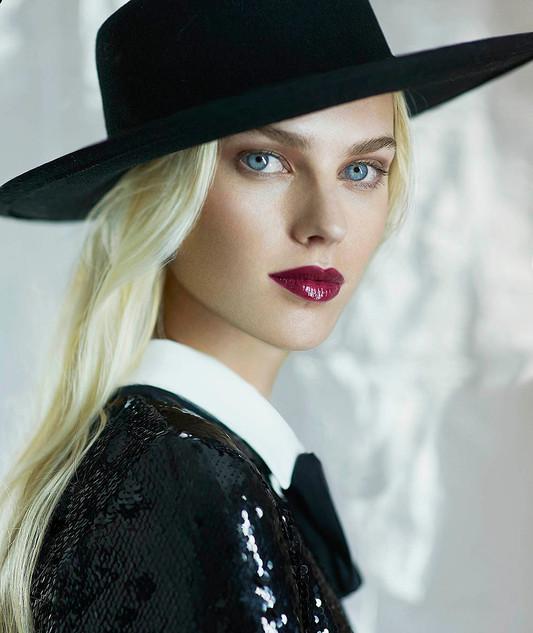 Blanco y negro Magazine