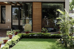Terrace_Garden_of_a_Modern_Indian_Home_with_Contemporary_Interiors_in_New_Delhi,