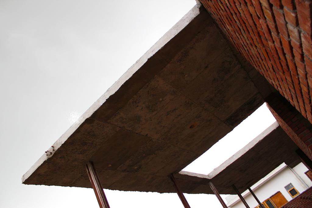 Modern Brick House, Noida 2.JPG